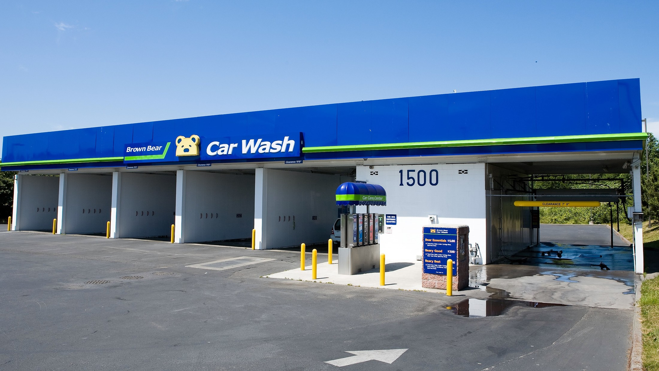 Touchless car wash brown bear car wash toggle navigation logo locations services all services tunnel car wash self solutioingenieria Images